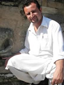 Dr. Mueezuddin Hakal